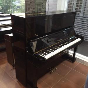 Yamaha U300 (Serial 5426880)