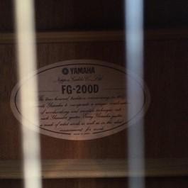 Yamaha FG200D