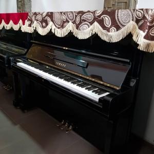 Yamaha U3H ( serial 3074958)
